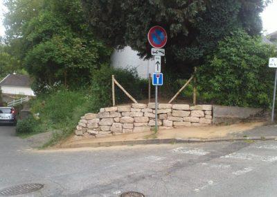Mise en place d'un enrochement en vue de retenir un talus sur la commune d'ORVAULT